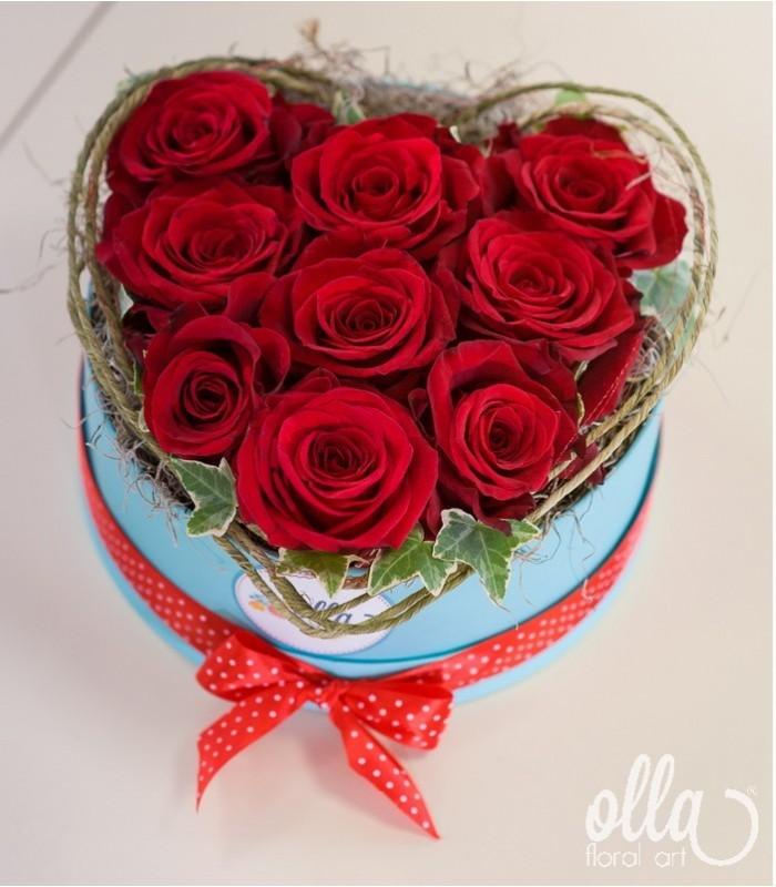 dragoste-pura-aranjament-floral-trandafiri-ecuador-min