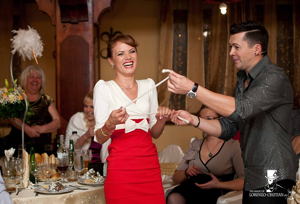 magician-petreceri-private-lorenzo-cristian-min