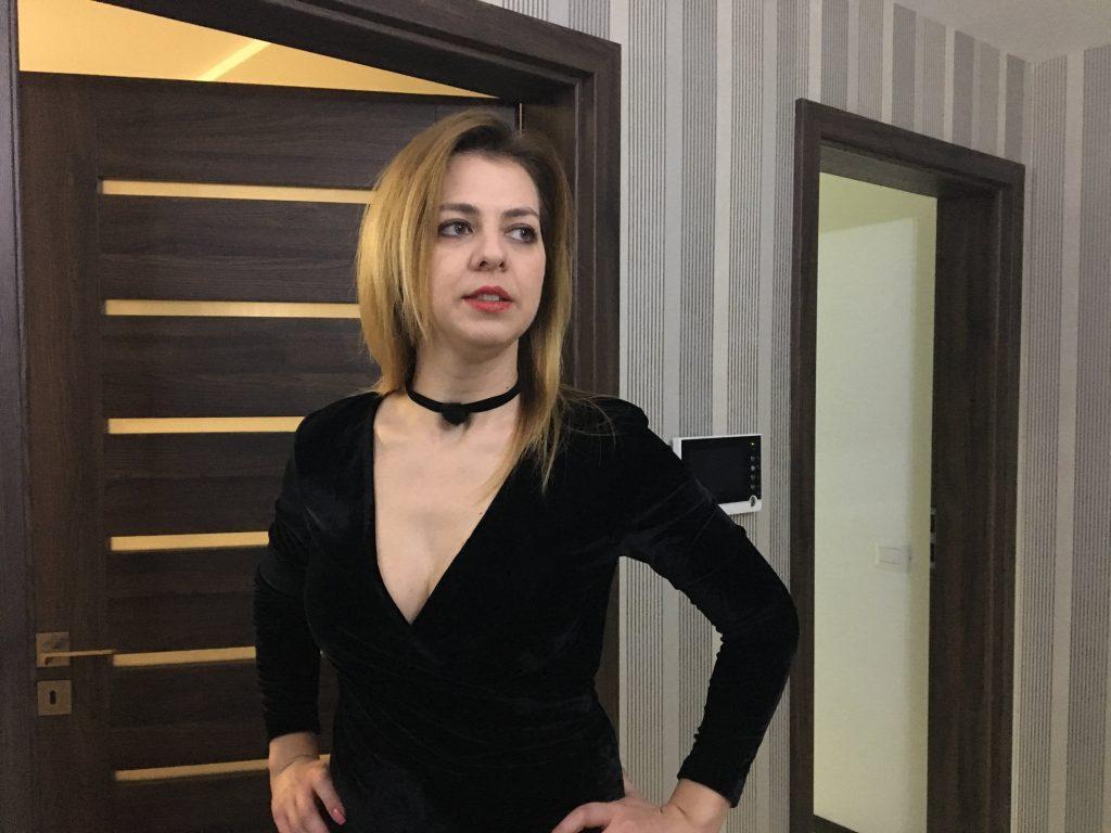 rochie-catifea-karla