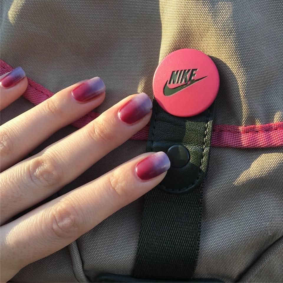 gradient-nails-min