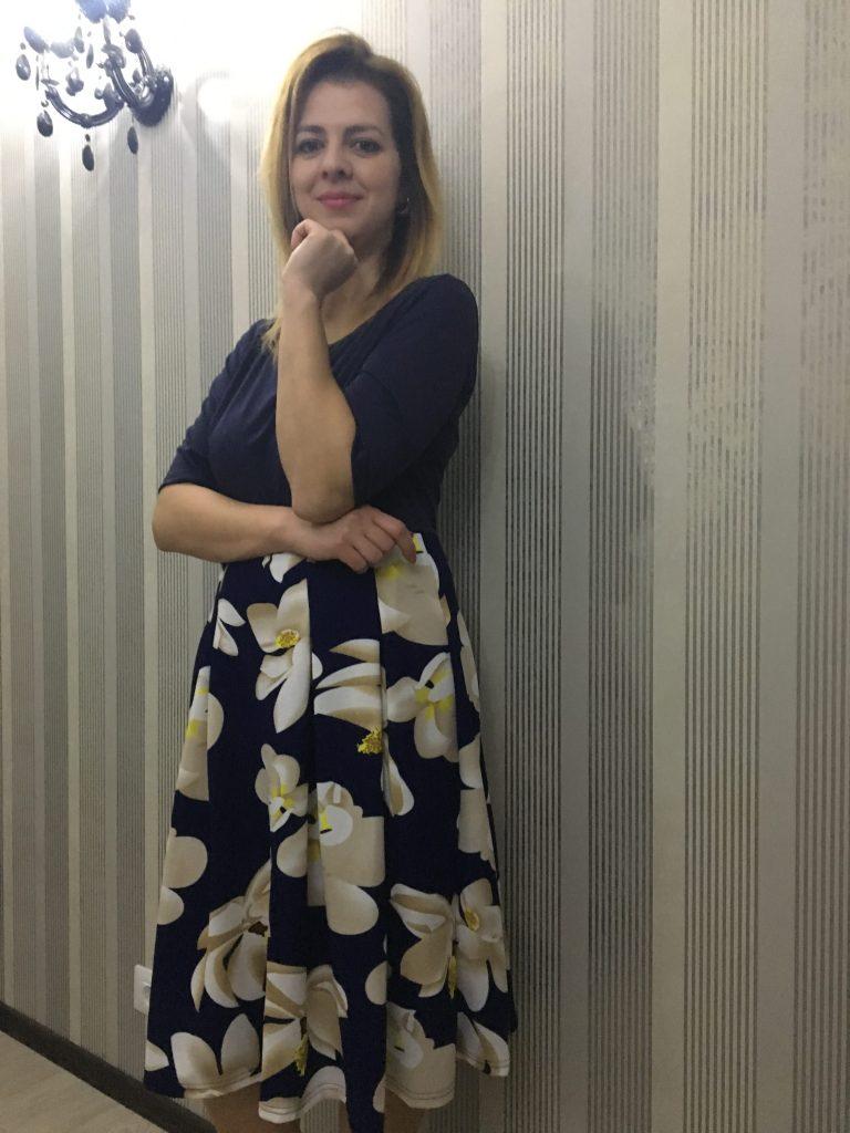 rochie-crem-cu-albastru