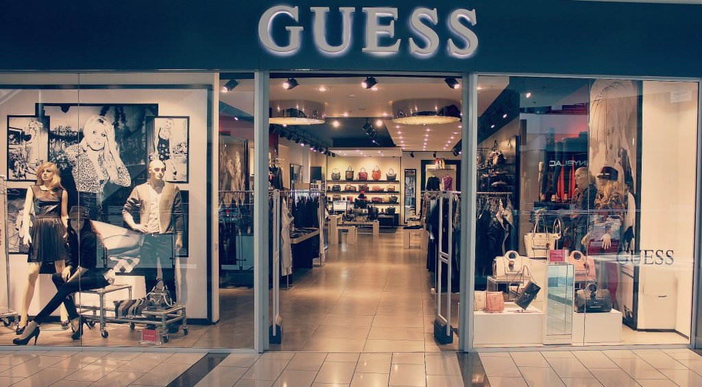 magazin-guess-in-bucuresti-min