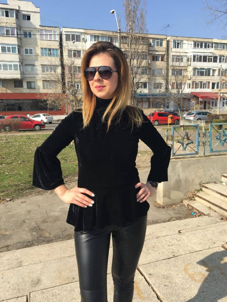 black-outfit-rokolla-min