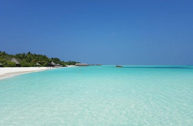 plaja-maldive-min