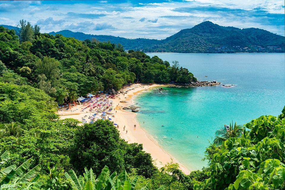 beach-thailanda-min
