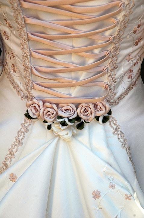 corset-rochie-de-mireasa-min