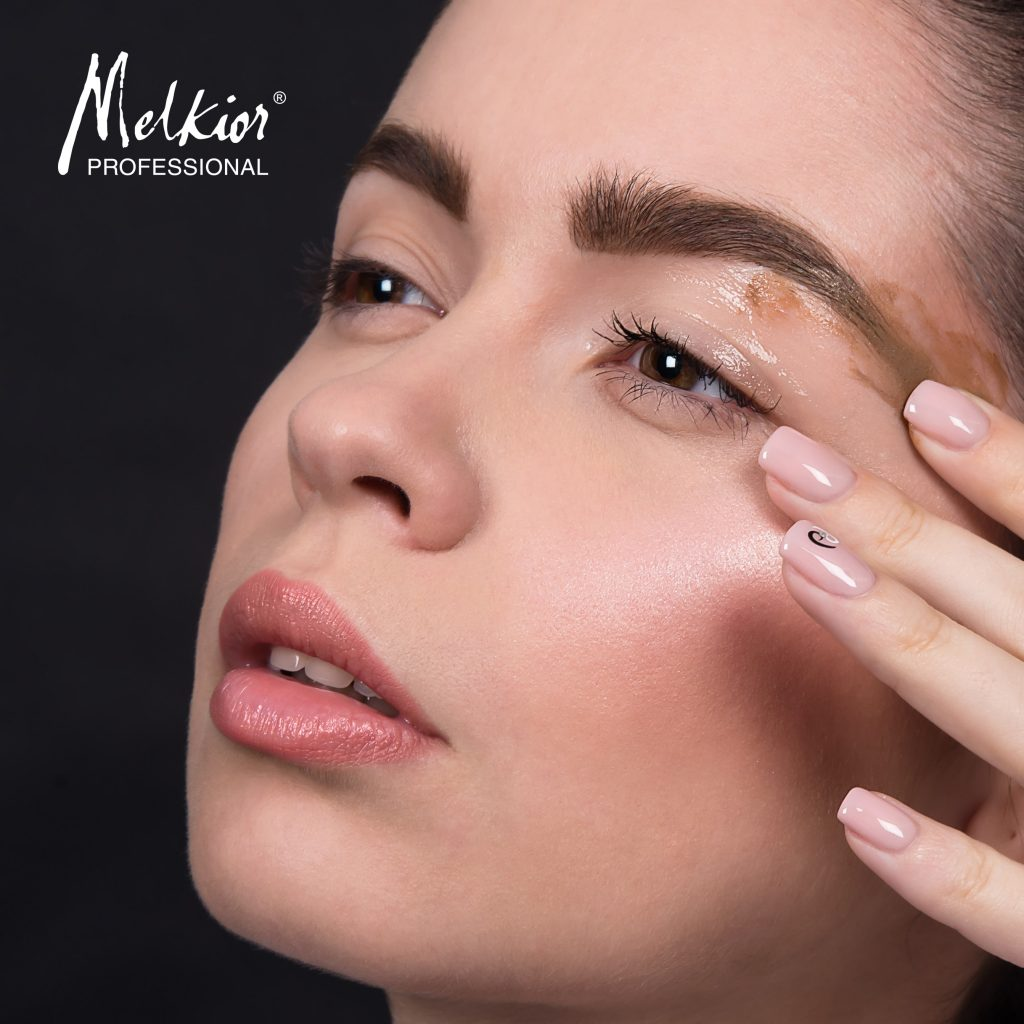 melkior-eyebrow-corrector-1-min