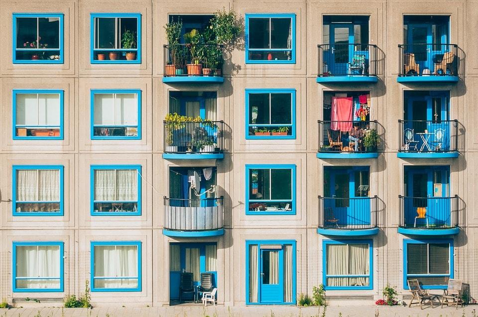 apartments-1845884_960_720-min