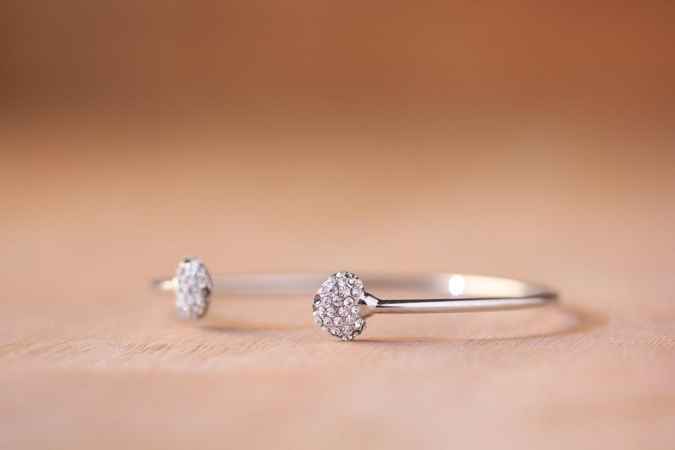 jewellery-1616538_960_720-min