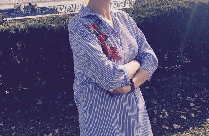 bluza-cu-trandafiri-brodati