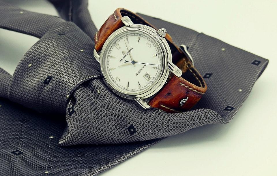 ceas-barbatesc-si-cravata-min